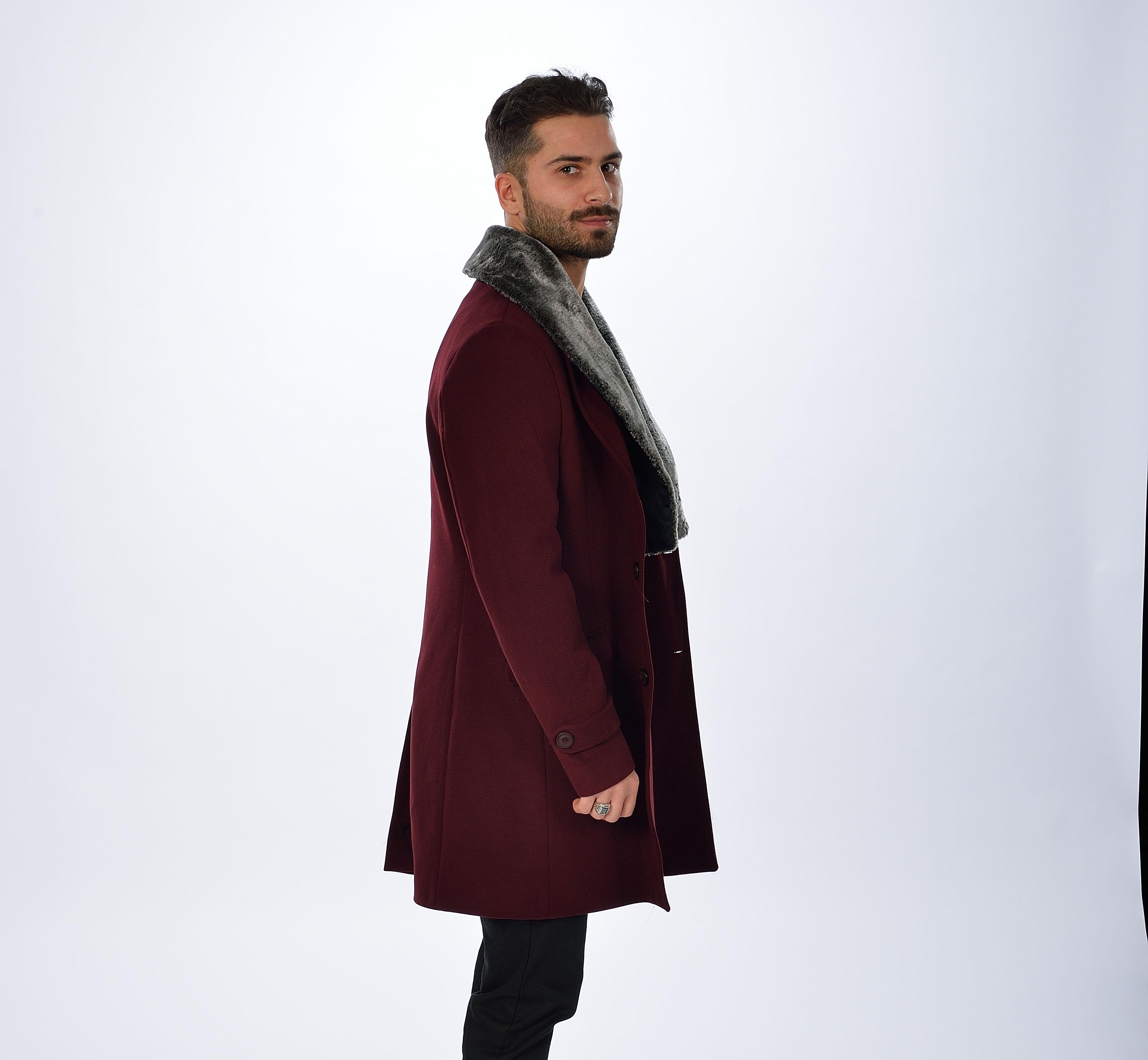 Burgund langer mantel mit pelz descy official for Schwarzer langer mantel