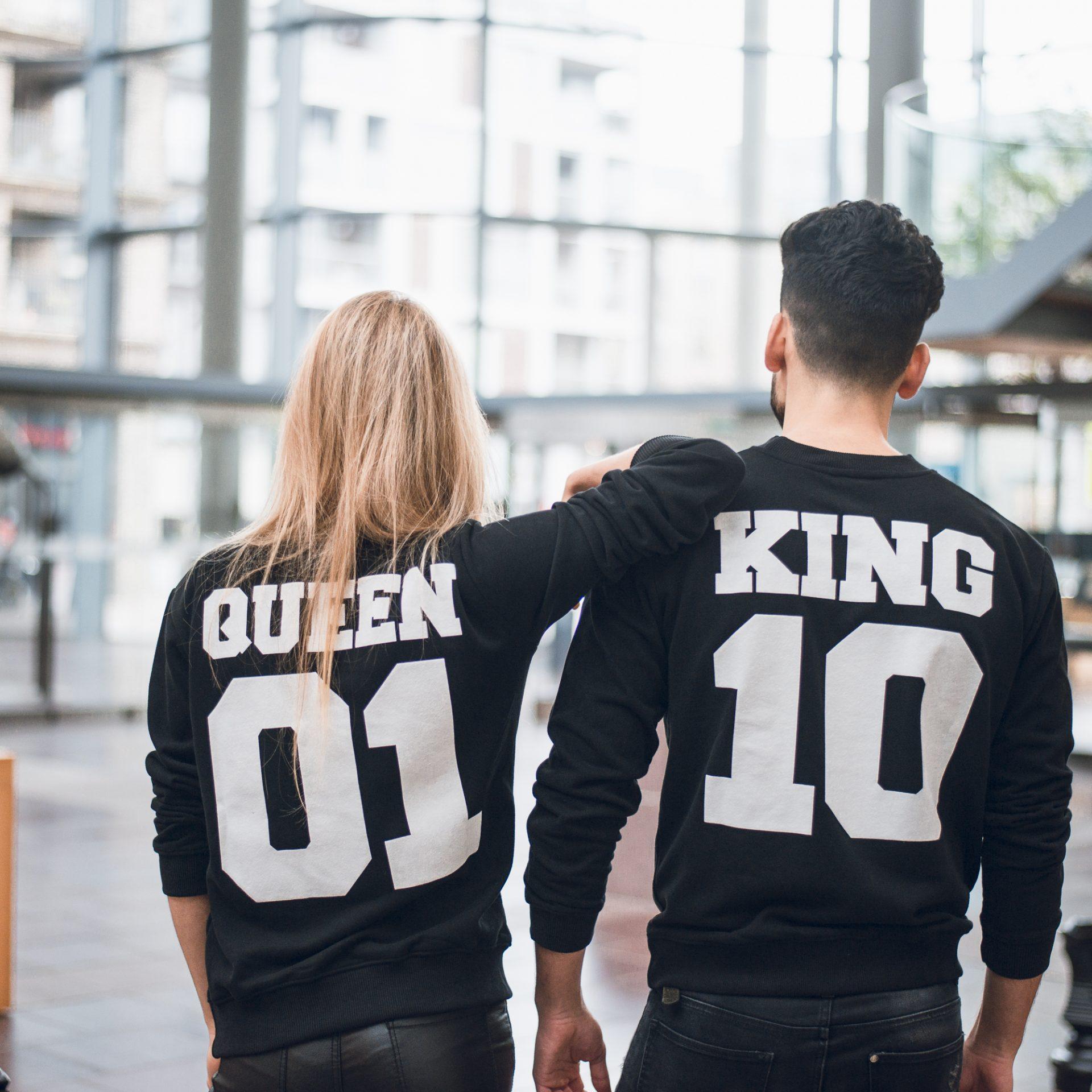 Queen 01 Sweater
