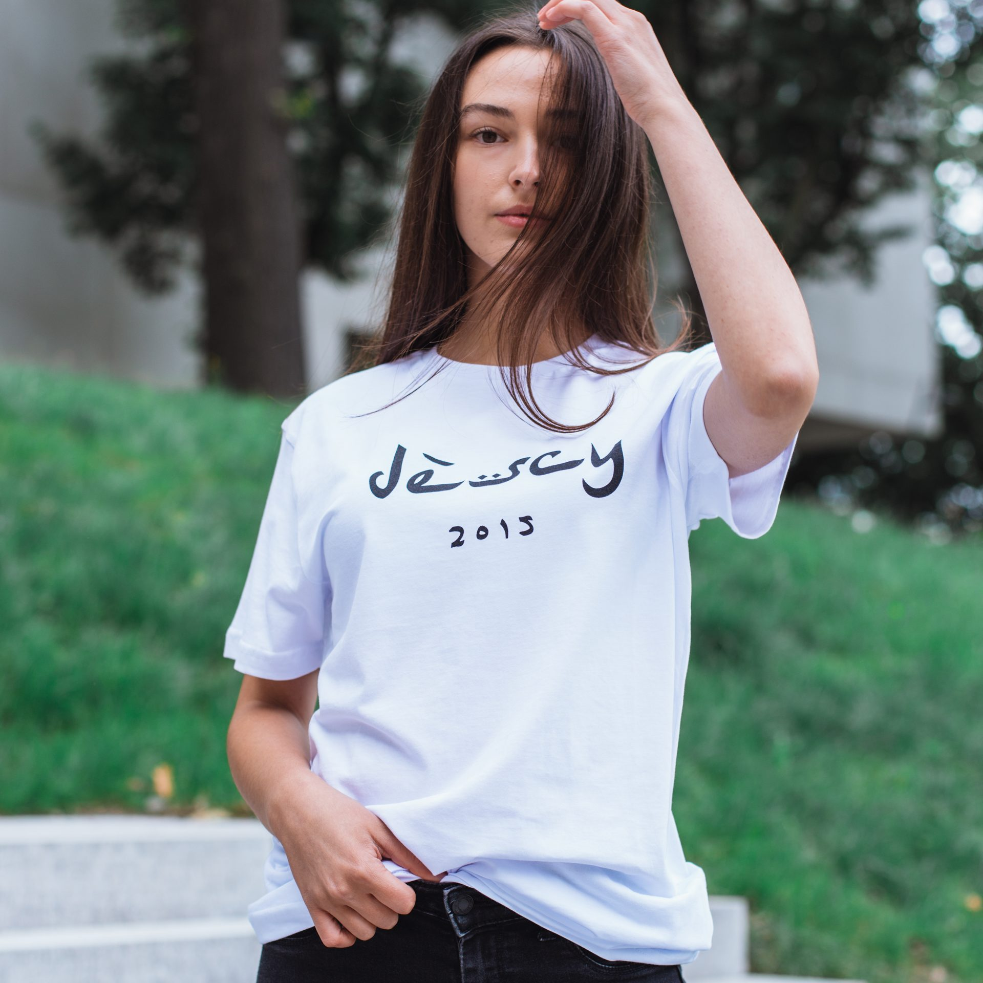DESCY Arabic Logo White T-shirt Unisex